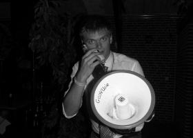 MWSOLSi met megafoon